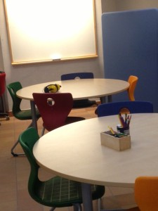 Möblerat för grupparbete i Stjärnsalen